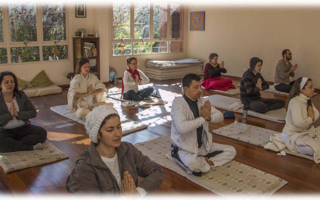 Aula Prática de Kundalini Yoga
